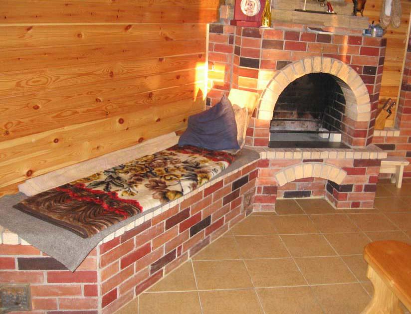 Печь с лежанкой в доме