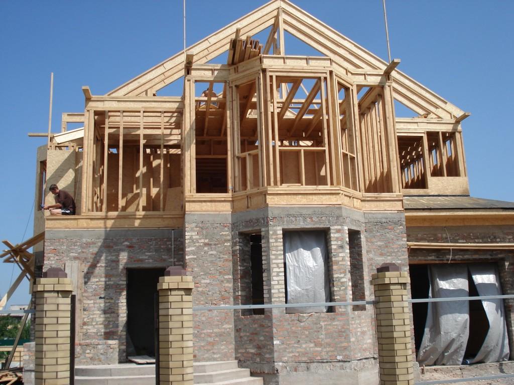 Дома кирпично-деревянные