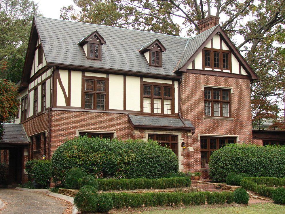 Комбинированный дом в стиле фахверк