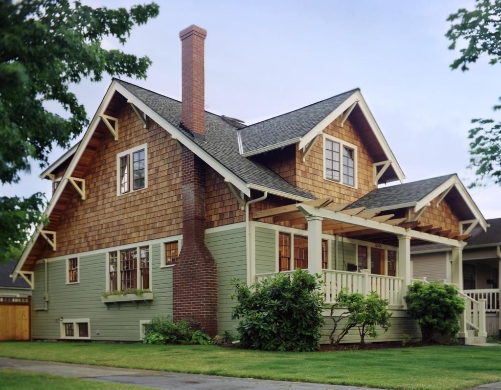 Вариант фасадной отделки комбинированного дома