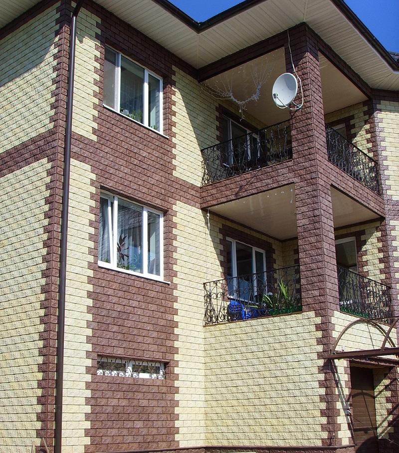 Панели с кирпичной фактурой: вариант для малоэтажного строительства