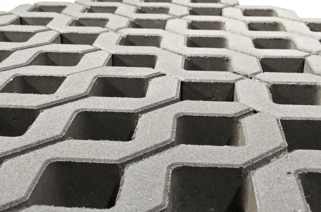 Камень для формирования газонов