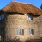 Двухэтажный саманный дом