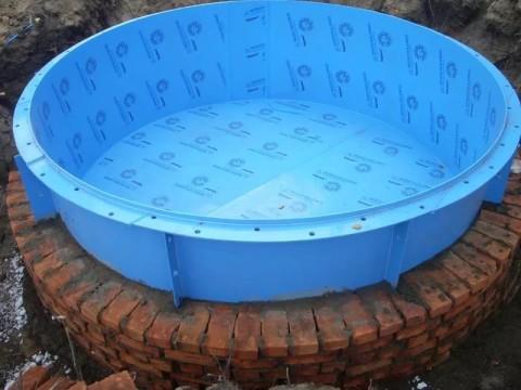 Мелкий поверхностный бассейн с полимерной чашей