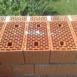 Кладка стен из керамоблоков, с облицовкой кирпичом