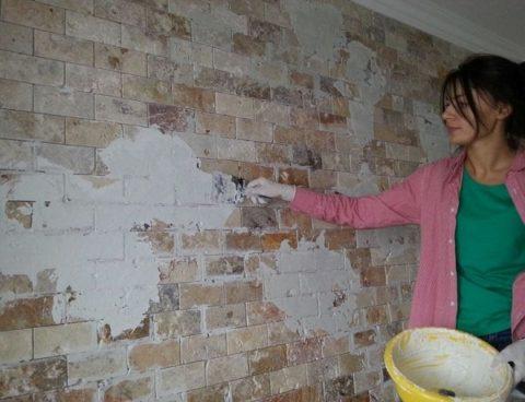 Немного шпаклевки и шпатель превратят новую стену в старую