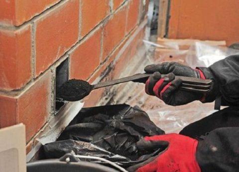 Ремонт печей кирпичных может долго не потребоваться, если регулярно чистить дымоход