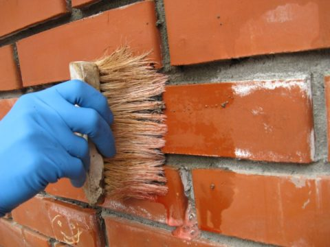 Как убрать высолы с кирпичной кладки: удаление налета водой и щеткой