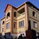 Готовое здание с кирпичной облицовкой