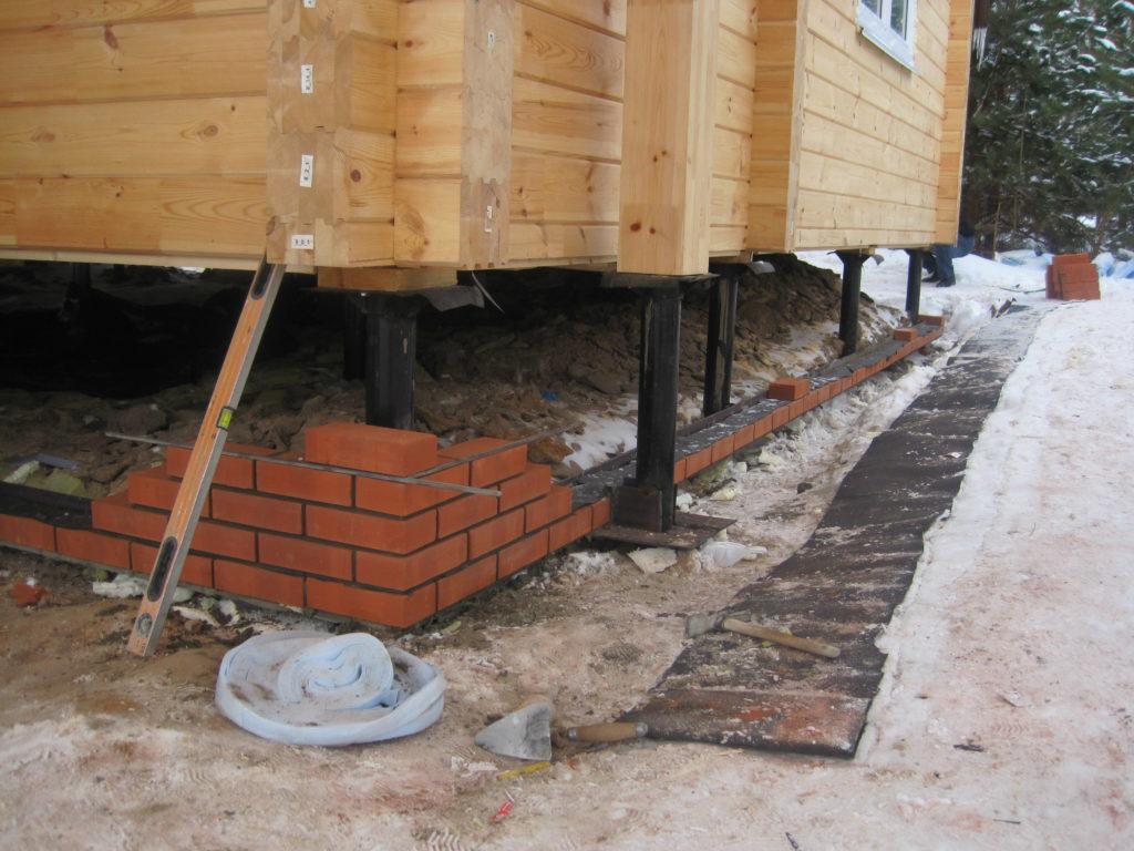 Ремонт цоколя деревянного дома