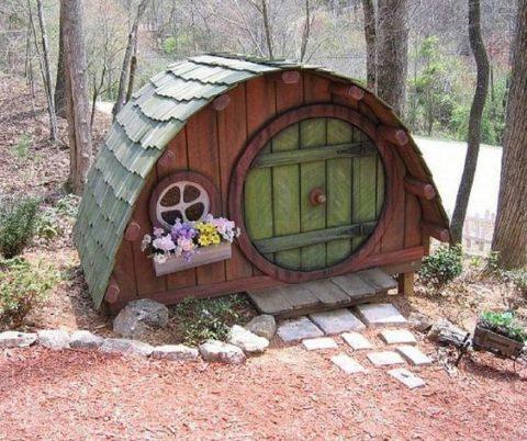 У будки может быть и круглая крыша
