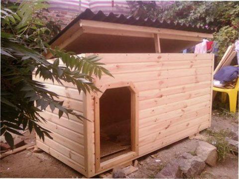 Удобная конструкция односкатной крыши будки