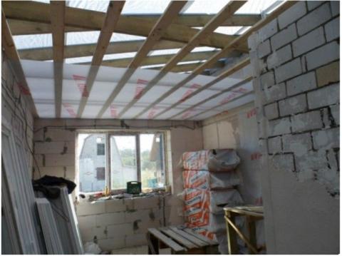 Подшивка и гидроизоляция потолка