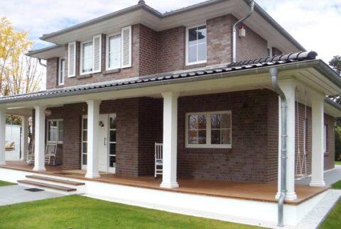 Эффектность кирпичной облицовки фасада дома