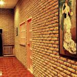 Красивый интерьер помещения из декоративной плитки