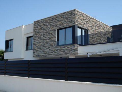 Фасадная отделка керамогранитными плитками