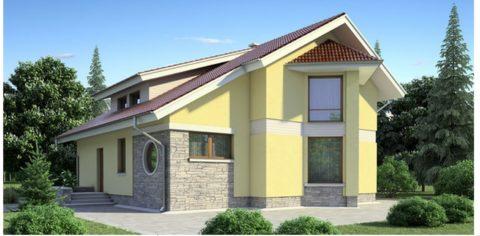 Классический дом с оригинальной фасадной отделкой - фото