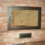 Защитная дверка из огнеупорного стекла сделает пользование печкой более безопасным