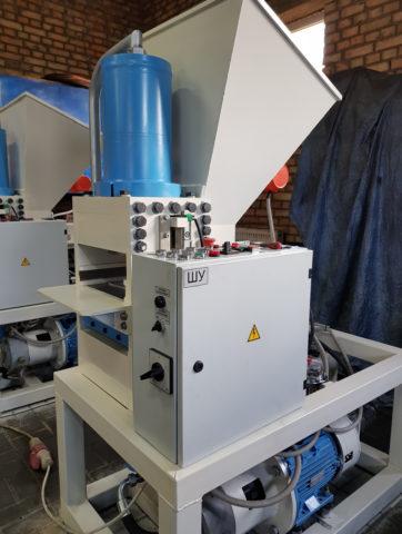 Вакуумный экструдер для облицовочного кирпича