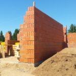 Полнотелый и пустотелый кирпич: применение при строительстве