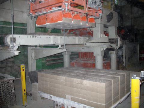 Пресс для производства силикатных изделий