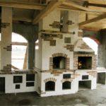 Фронтальная конструкция на закрытой террасе