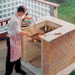 Готовить на простом барбекю легко и удобно