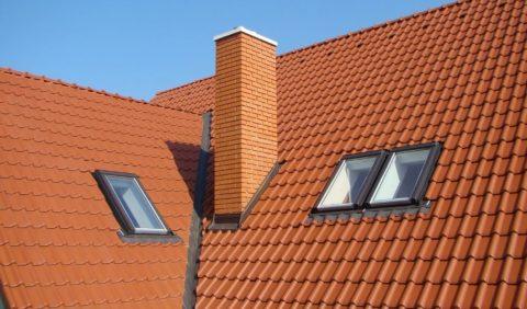 Красиво сложенная дымовая труба является архитектурным элементом дома