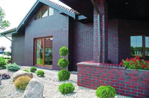Качественный материал и гармоничный дизайн облицовки сделают фасад неповторимым