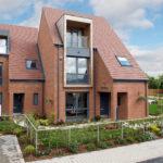Проекты домов из кирпича двухэтажных с мансардой весьма популярны