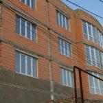 Трехэтажное жилое строение