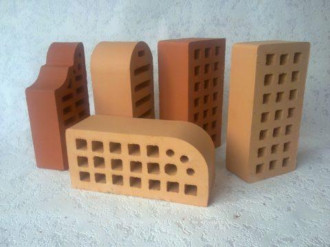 Керамические изделия разных оттенков