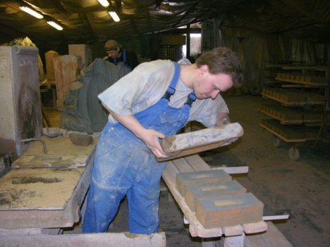 Кирпич-сырец из глины