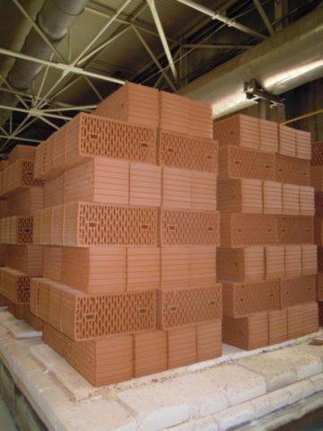 Кирпичи из опилок и глины: производство пор сгоранием органических компонентов