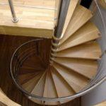 Спиральная лестница в башенке