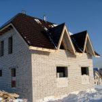 Дом из силикатного кирпича нуждается в утеплении